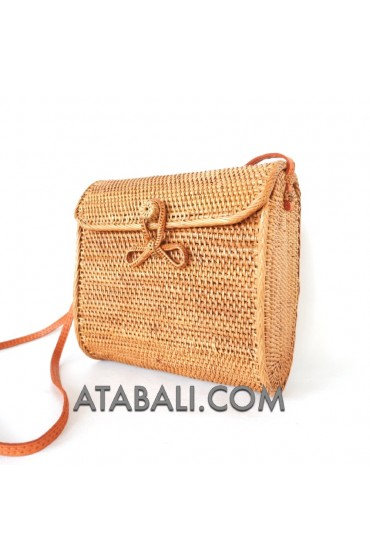 Ata big envelope bag with ribbon clip