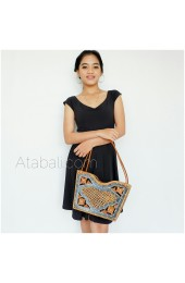 Wood bag with rattan and lining